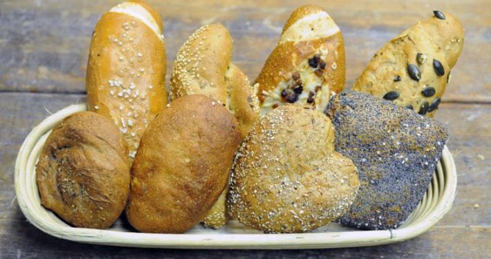 Brotsimperl gefüllt mit Gebaeck